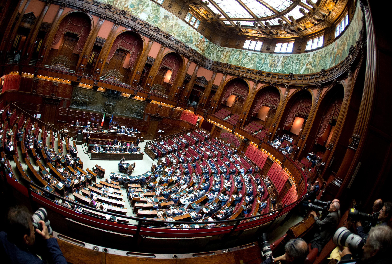 Voto di fiducia il troppo che stroppia mondoperaio for Camera deputati centralino